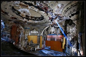 abandoned-theater-detroit