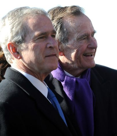 http://www.sfgate.com/politics/article/Bush-family-e-mails-hacked-4264777.php